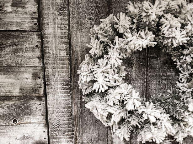 Old Wallpaper Iphone X Christmas Wreath Free Stock Photo Public Domain Pictures