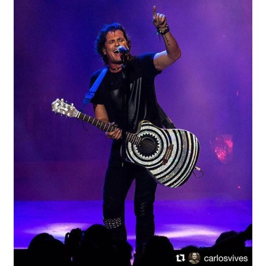 #Repost @carlosvives・・・Paris estás preparado para esta noche? Con toda #LaProvincia te estamos esperando en el #zenithparis #VivesenParis #TeamVives photo: #luiscarmona @letusdotheworkforyou @puertoricounder @luiscarmona #paris #francia #france #colombia