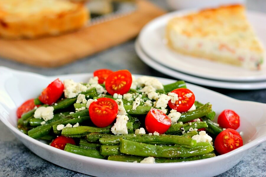 This Roasted Garlic Green Bean Salad is filled with fresh beans, ripe ...