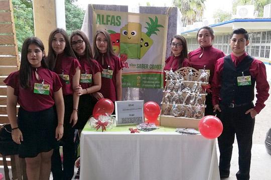Proyectos-Emprendedores-presentan-alumnos-de-la-UA-Prepa-Guamúchil,-URCN-UAS.12.12-(12)