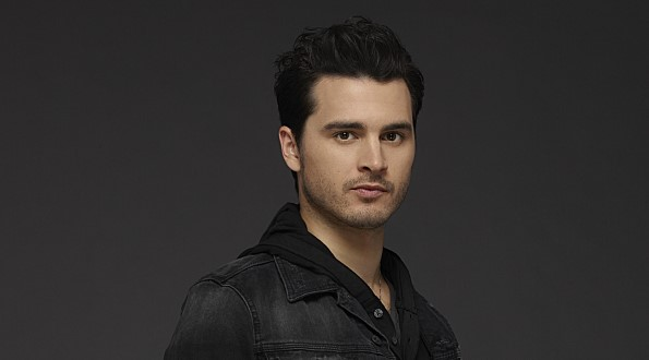 Cell Wallpaper Hd 8 Reasons To Love Enzo From The Vampire Diaries