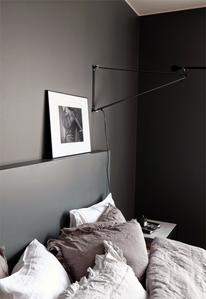 Interieur kleur donkere kleuren in de slaapkamer for Interieur kleuren