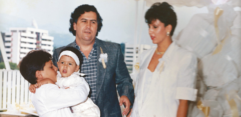 Pablo Escobar, María Victoria Henao y sus hijos. Foto semana.com Bogotá