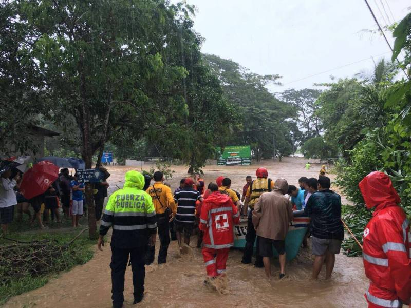 Costa Rica inundaciones. FGoto Facebook CNE