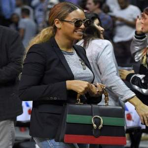 beyonce-los-angeles-clippers-vs-brooklyn-nets-gucci