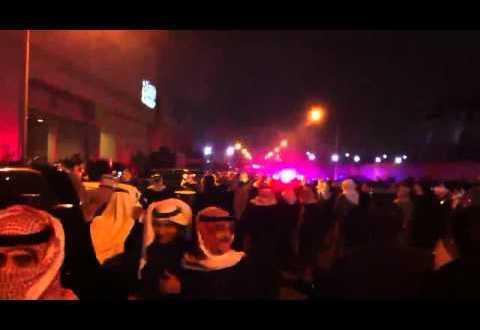 فيديو: القنابل الصوتية وسط المحتجين من امام بمنى قناة الوطن