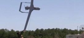 فيديو: شاهد طريقة إطلاق وهبوط طائرات الاستطلاع الأمريكية