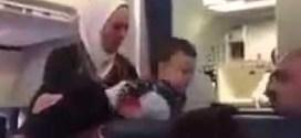 فيديو: محجبة تتعرض للتمييز العنصري على متن طائرة أمريكية