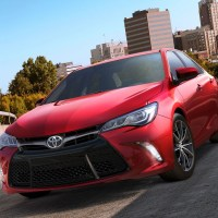2015 Toyota Camry Comes With Wireless Charging Pad