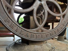 Detail of the grinder