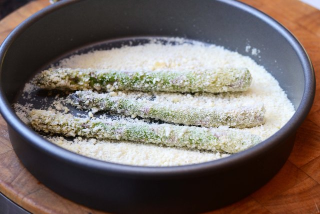 Panko Parmesan Crusted Asparagus - Asparagus is encased in a crispy ...