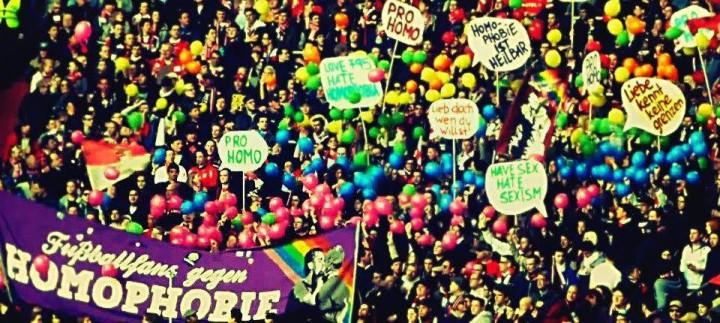 "© ""Fußballfans gegen Homophobie""."