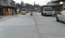 Alcalde inaugura obras en la parroquia Viva Alfaro