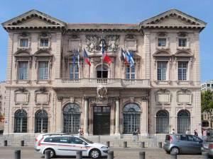 La Mairie de Marseille dans u des plus beaux édifices de la ville