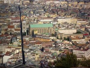Spaccanapoli, une des artères principales de Naples longue de 2 kilomètres, bordée de palais et d'églises