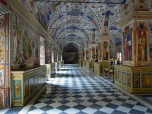 Une des nombreuses salles du Musée du Vatican