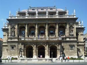 L'Opéra d'état Hongrois dans l'avenue Andrássy