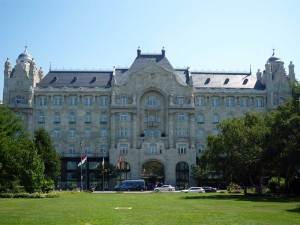 Le Palais Gresham abritant l'hôtel Four Seasons