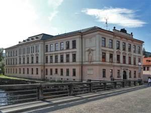 Le Collège Jésuite de l'autre côté de la Vltava