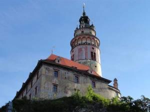 La Tour du Château, magnifique mirador sur la cité médiévale