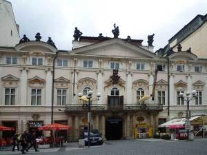 Le Casino Palais Savarin, un beau palais Baroque de la Nouvelle Ville