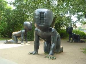 Les étranges statues du Musée de l'île Kampa