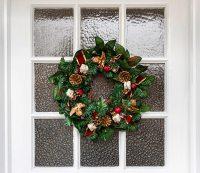 Christmas Front Door Decorations - Quiet Corner