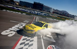 NASCAR_NSCS_KOBALT400_Matt_Kenseth_Win_Burnout_031013