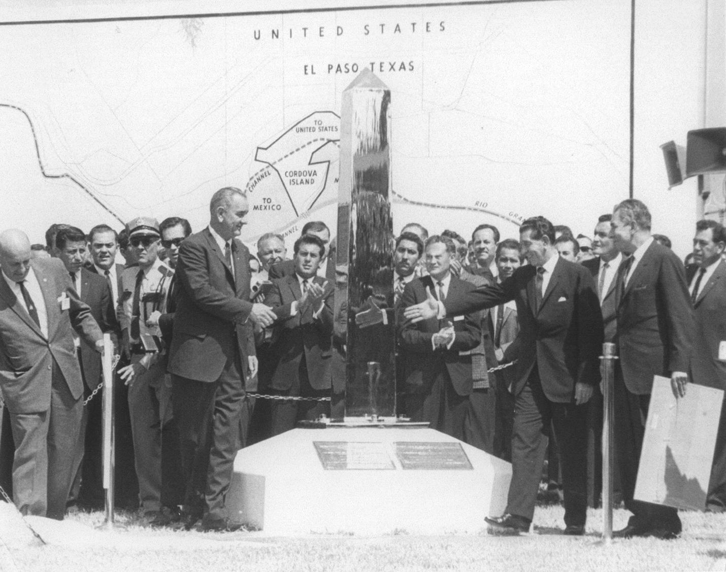 Johnson & Mateos Sept 25 1964 b&w