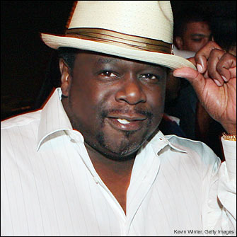 cedric the entertainer 335a 081007 Guess Who Wants a Syndicated Show on Urban Radio Now