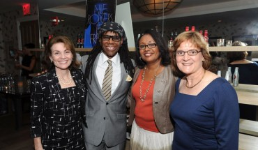 123967148keverix972011122145PM LOOK: Its Nile Rodgers from Chic