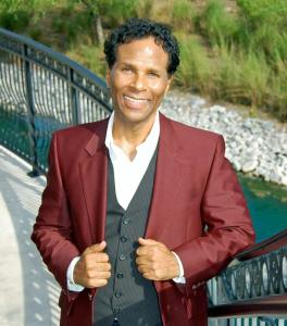 phil michael1 264x300 LOOK! Its Philip Michael Thomas