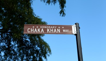 ChakaKhanStreetSignPhoto3 The City of Chicago Honors Ten Time GRAMMY® Award Winner Chaka Khan with Street Naming