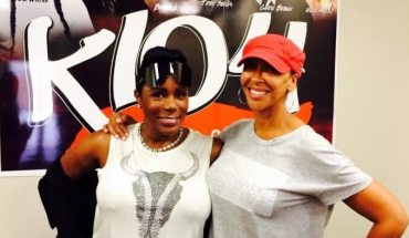 LOOK! Its Sommore with DeDe in the Morning