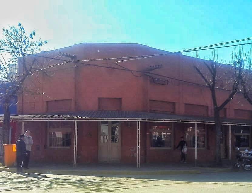 """Cerró el tradicional """"Bar Fantasio"""" de Las Rosas"""