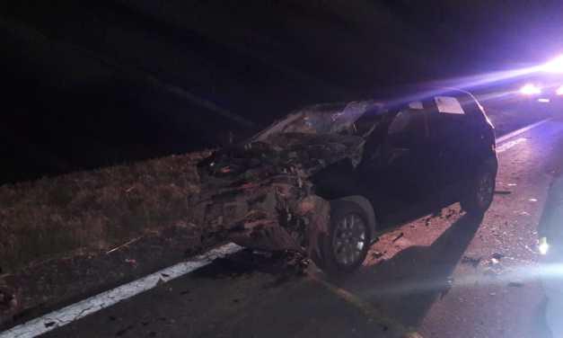 Fuerte choque entre vehículos con un lesionado grave