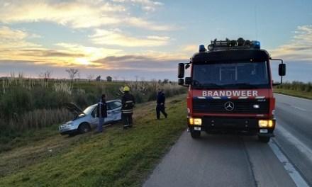 Se desprendió una rueda de camión y ocasionó un triple choque