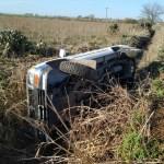 Volcó una Pick Up en un camino rural