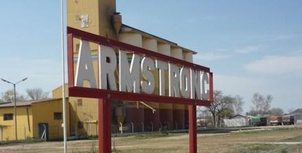 Robo en un campo de Armstrong