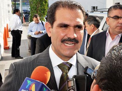 Gobernador Guillermo Padrés, dio 'espaldarazo' a Javier Gándara