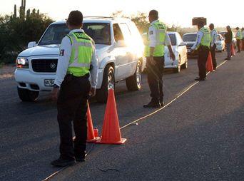 Reportan tranquila afluencia de vehículos en Bahía de Kino