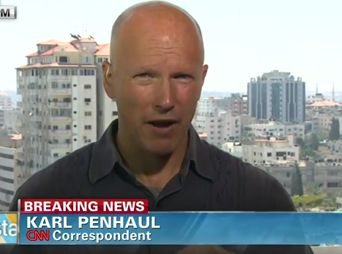 Cae misil a metros de corresponsal en Gaza