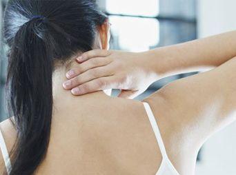 """El esguince cervical es la lesión más frecuente en los accidentes vehiculares.Regularmente se produce secundario al mecanismo de """"latigazo""""."""