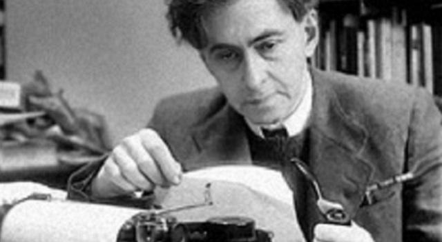 """A 50 años de la muerte de Iliá Ehrenburg, hablamos de """"Lealtades enmarañadas"""" de Joshua Rubenstein"""