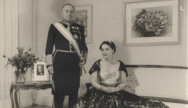 Sebastián y Elena de Romero Radigales, con su nieta Elena Colitto-Castelli
