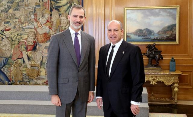 La FCJE otorgó el Premio Senador Ángel Pulido al rey Felipe VI