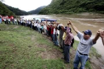 copinh-lenca-people-at-river-in-honduras