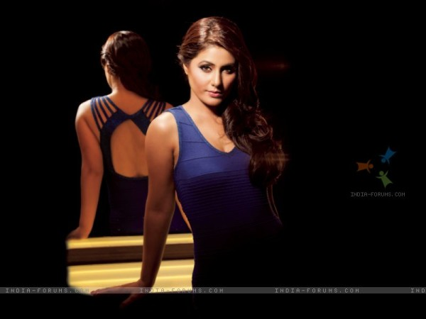 192937-hina-khan-on-marinating-films-calendar-2012.jpg