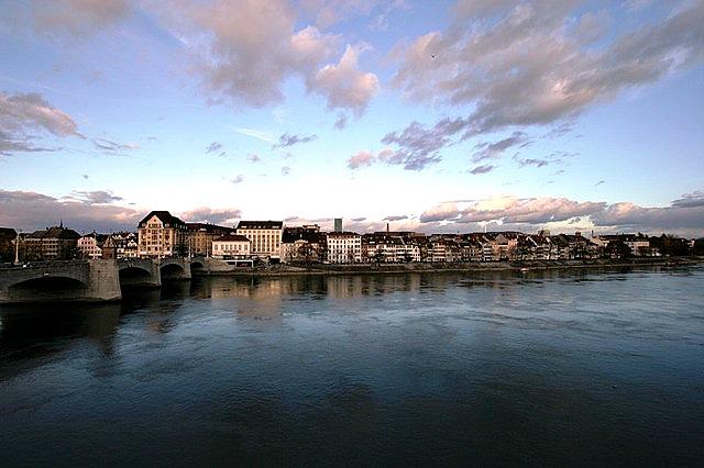 Das heimliche Wahrzeichen Basels ist der Rhein.