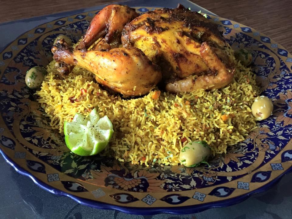 Kip gevuld met gestoomde rijst